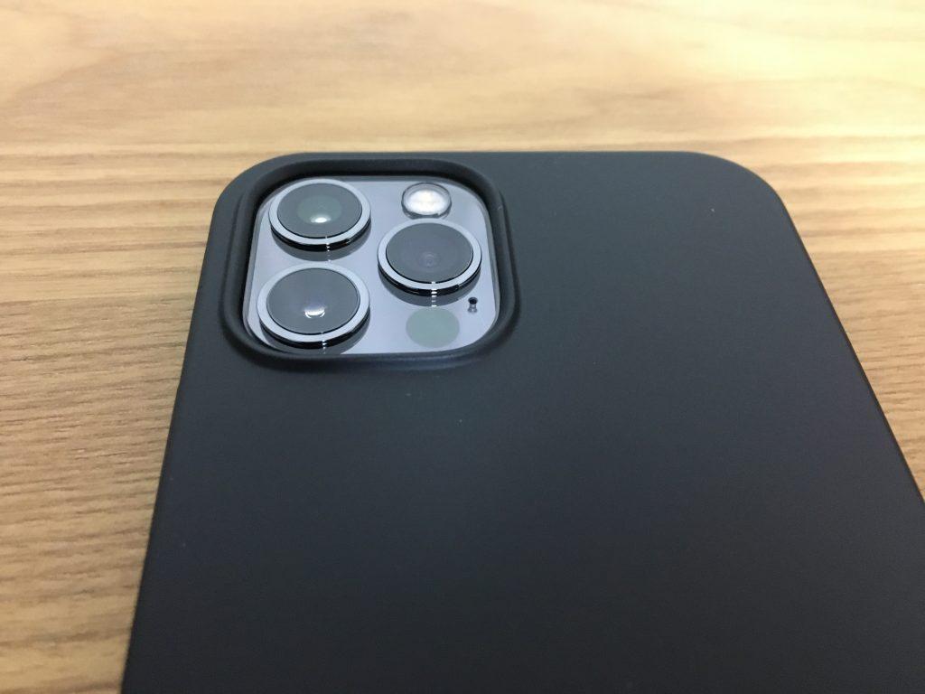 RANVOO|iPhone12 /12Pro用 ケース|装着後
